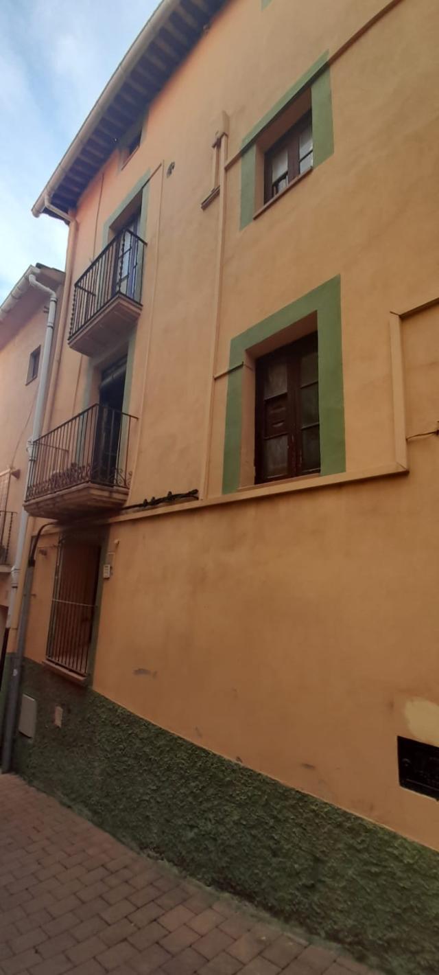 Piso en venta en Berga, Barcelona, Calle Castellar del Riu, 58.000 €, 3 habitaciones, 2 baños, 82 m2