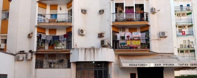 Piso en venta en Distrito Cerro-amate, Sevilla, Sevilla, Calle Coimbra, 75.000 €, 3 habitaciones, 1 baño, 74 m2