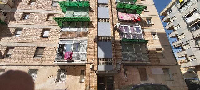 Piso en venta en Balaguer, Lleida, Calle Gregorio Marañon, 34.000 €, 3 habitaciones, 1 baño, 76 m2