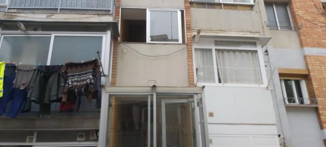 Piso en venta en El Tancat, El Vendrell, Tarragona, Calle Albinyana, 89.000 €, 3 habitaciones, 2 baños, 116 m2