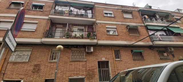 Piso en venta en Badalona, Barcelona, Calle Orió, 71.070 €, 3 habitaciones, 1 baño, 72 m2