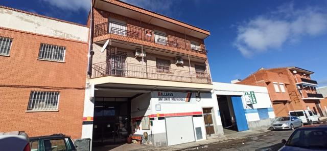 Piso en venta en Torrijos, Toledo, Calle Tulipan, 64.200 €, 3 habitaciones, 1 baño, 122 m2