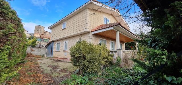 Casa en venta en Barrios de Bureba (los, Burgos, Carretera Medina de Pomar, 145.000 €, 4 habitaciones, 2 baños, 181 m2