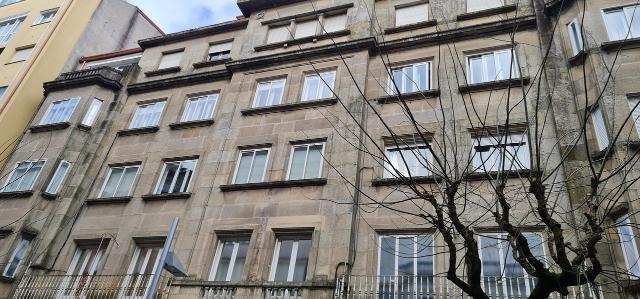Piso en venta en San Antoniño, Pontevedra, Pontevedra, Calle Benito Corbal, 120.000 €, 3 habitaciones, 1 baño, 87 m2