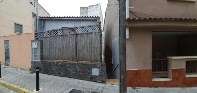 Piso en venta en Rubí, Barcelona, Calle Font de la Via, 105.000 €, 3 habitaciones, 1 baño, 82 m2