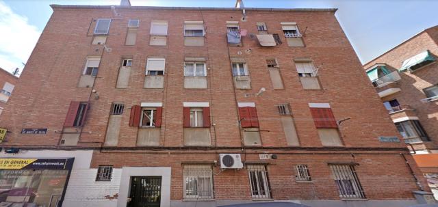 Piso en venta en Villa de Vallecas, Madrid, Madrid, Calle Montes de Toledo, 130.000 €, 3 habitaciones, 1 baño, 49 m2