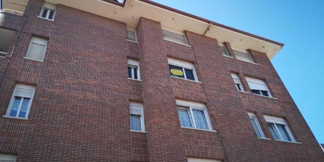 Piso en venta en Colindres, Cantabria, Calle del Sol, 108.000 €, 3 habitaciones, 2 baños, 109 m2