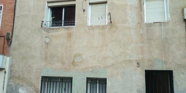 Piso en venta en Sant Andreu de la Barca, Barcelona, Calle Amistad, 99.000 €, 3 habitaciones, 1 baño, 74 m2