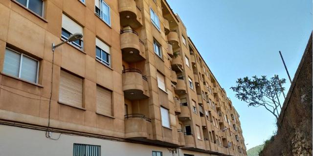 Piso en venta en Grupo San Cristóbal, L` Alcora, Castellón, Calle Cristobal Bachero Perez, 79.000 €, 4 habitaciones, 2 baños, 118 m2