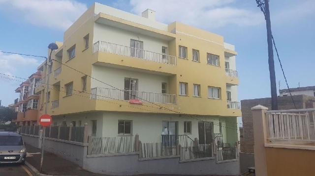 Piso en venta en Piso en Granadilla de Abona, Santa Cruz de Tenerife, 696.200 €, 2 habitaciones, 1 baño, 76 m2