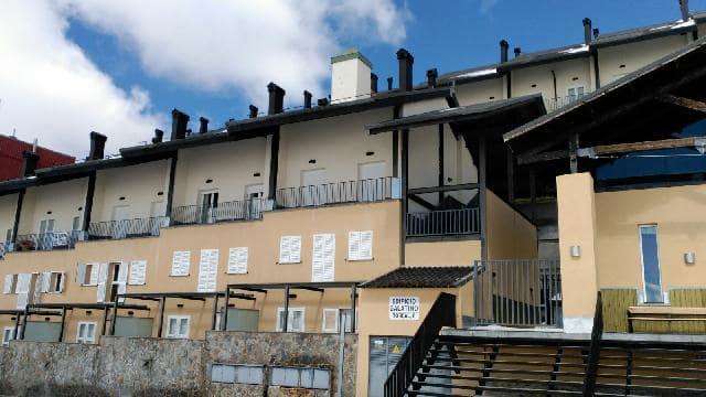 Piso en venta en Monachil, Granada, Calle Torcal, 146.000 €, 3 habitaciones, 2 baños, 79 m2