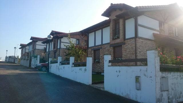 Casa en venta en Ribamontán Al Mar, Cantabria, Calle Barrio Suesa-pola, 267.000 €, 4 habitaciones, 3 baños, 242 m2