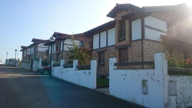 Casa en venta en Ribamontán Al Mar, Cantabria, Calle El Hoyo, 263.000 €, 4 habitaciones, 3 baños, 242 m2