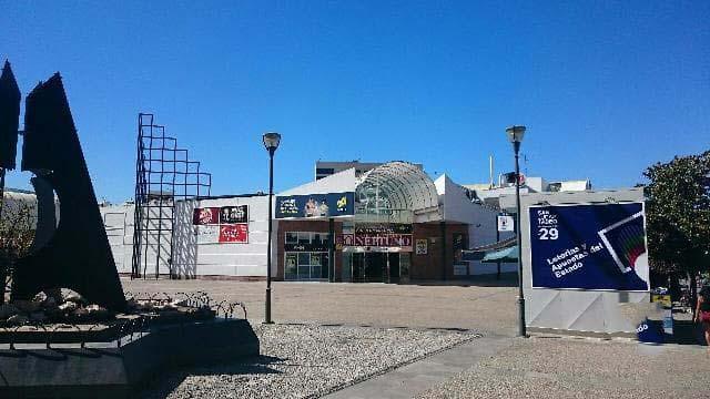 Local en venta en Alhama de Granada, españa, Avenida Centro Comercial Neptuno, 91.371 €, 175 m2