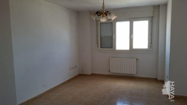 Piso en venta en Cuéllar, Segovia, Calle Guatemala, 100.632 €, 4 habitaciones, 1 baño, 114 m2