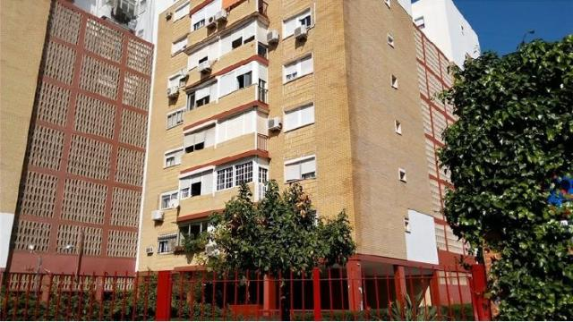 Piso en venta en Sevilla, Sevilla, Calle Amor, 120.000 €, 4 habitaciones, 2 baños, 94 m2