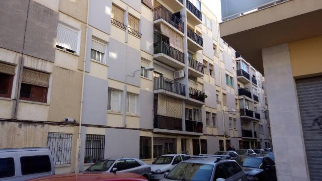 Piso en venta en Reus, Tarragona, Calle Banys, 57.000 €, 3 habitaciones, 1 baño, 85 m2