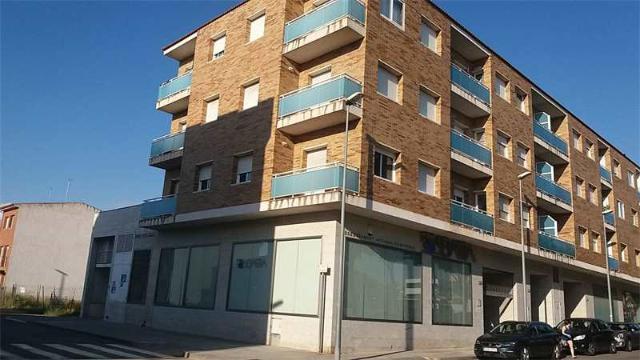 Piso en venta en Amposta, Tarragona, Calle Josep Tarradellas, 78.900 €, 4 habitaciones, 2 baños, 139 m2