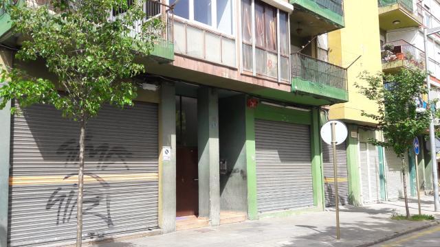 Piso en venta en Salt, Girona, Calle Catalunya, 73.000 €, 3 habitaciones, 1 baño, 90 m2