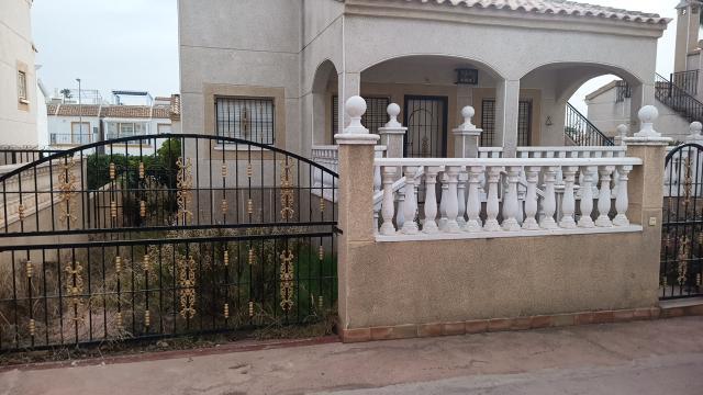 Casa en venta en Orihuela, Alicante, Calle Leman, 120.000 €, 2 habitaciones, 1 baño, 63 m2