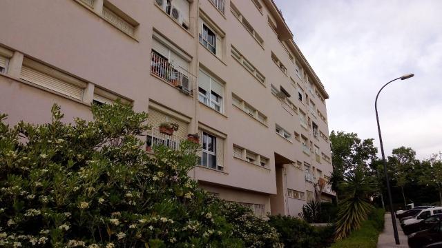Piso en venta en Barri Gaudí, Reus, Tarragona, Avenida Lleo, 56.800 €, 4 habitaciones, 1 baño, 87 m2