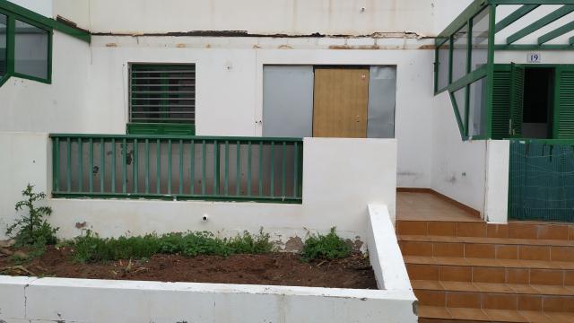 Piso en venta en Yaiza, Las Palmas, Calle la Molina, 165.000 €, 2 habitaciones, 2 baños, 108 m2