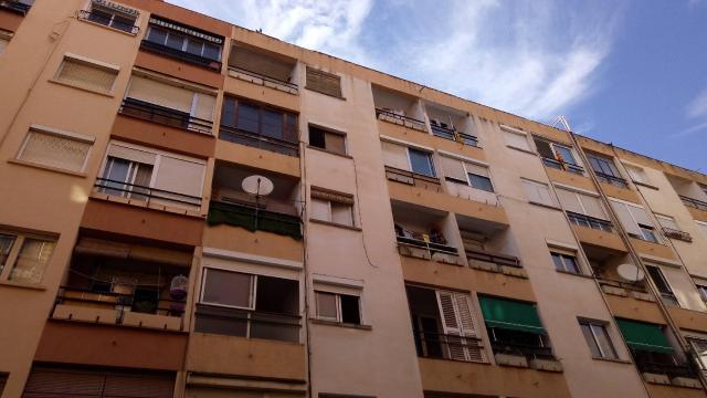 Piso en venta en El Carme, Reus, Tarragona, Calle Benidorm, 28.836 €, 3 habitaciones, 1 baño, 74 m2