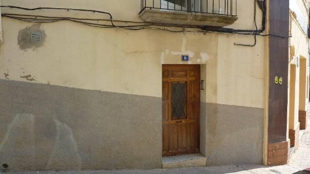 Piso en venta en Alcañiz, Teruel, Calle Virgen del Loreto, 48.000 €, 2 baños, 92 m2