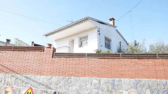 Casa en venta en Piera, Piera, Barcelona, Calle Ronda Montserrat, 140.000 €, 3 habitaciones, 1 baño, 148 m2