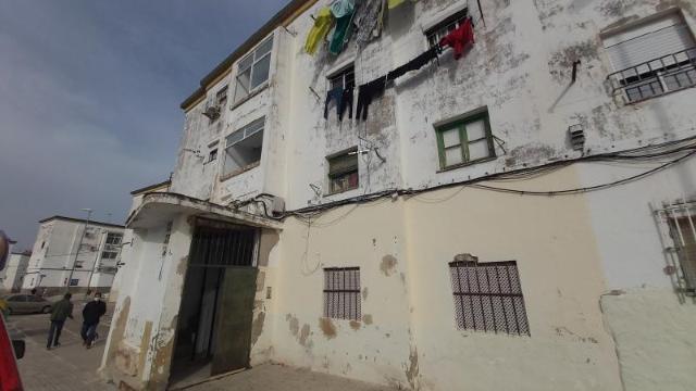 Piso en venta en Los Albarizones, Jerez de la Frontera, Cádiz, Calle Conde de Mirasol, 28.900 €, 2 habitaciones, 1 baño, 54 m2