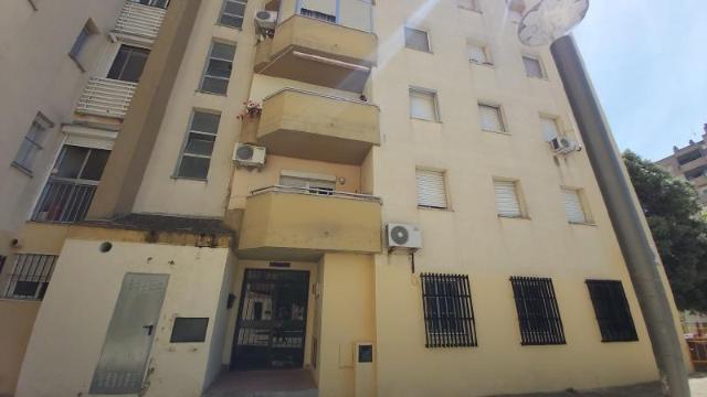 Piso en venta en Los Albarizones, Jerez de la Frontera, Cádiz, Calle Fraternidad, 50.000 €, 3 habitaciones, 1 baño, 88 m2