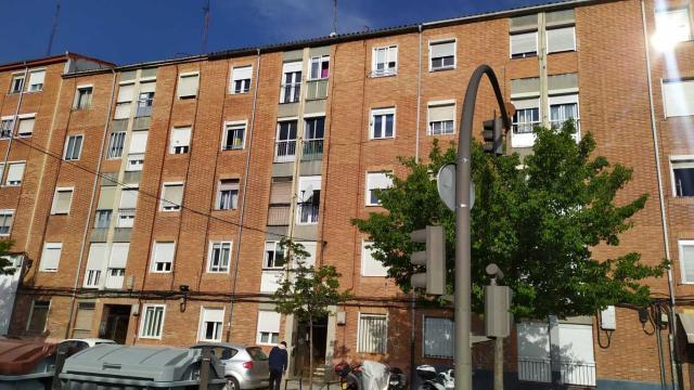 Piso en venta en Pajarillos, Valladolid, Valladolid, Calle Cigueña, 44.100 €, 2 habitaciones, 1 baño, 78 m2