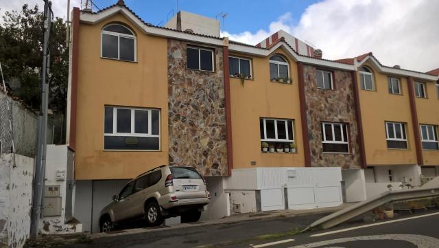 Casa en venta en Arucas, Las Palmas, Carretera General Gc 43, 170.000 €, 3 habitaciones, 2 baños, 177 m2