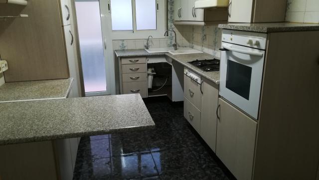 Piso en venta en Pineda de Mar, Barcelona, Calle Pirineus, 163.100 €, 3 habitaciones, 2 baños, 112 m2
