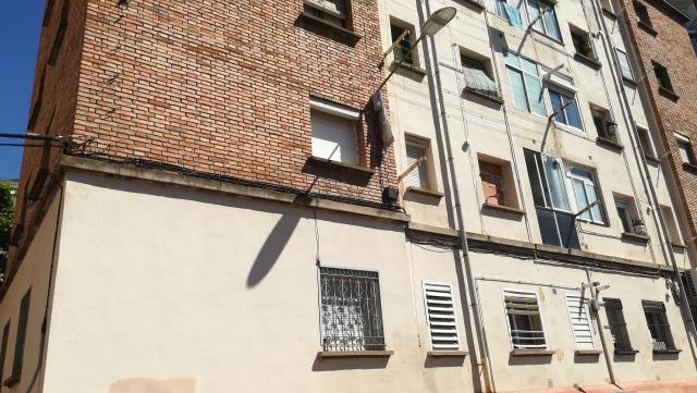 Piso en venta en Instituts - Templers, Lleida, Lleida, Calle Grupo Jose Antonio, 110.000 €, 3 habitaciones, 1 baño, 95 m2