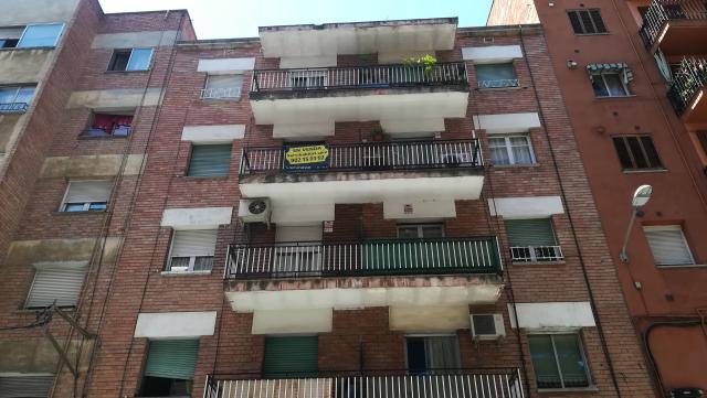 Piso en venta en Instituts - Templers, Lleida, Lleida, Calle Templers, 58.645 €, 4 habitaciones, 1 baño, 111 m2