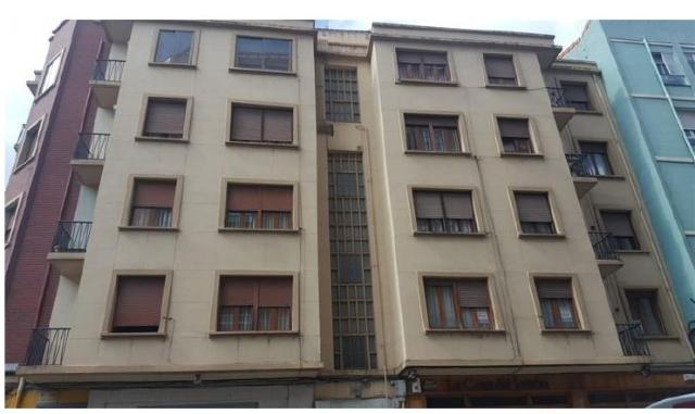 Piso en venta en Allende, Miranda de Ebro, Burgos, Calle Carlos Iii, 39.500 €, 3 habitaciones, 1 baño, 79 m2