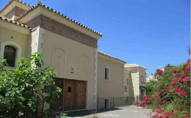 Casa en venta en Istán, Málaga, Calle Plaza de Armas, 960.000 €, 3 habitaciones, 1 baño, 161 m2