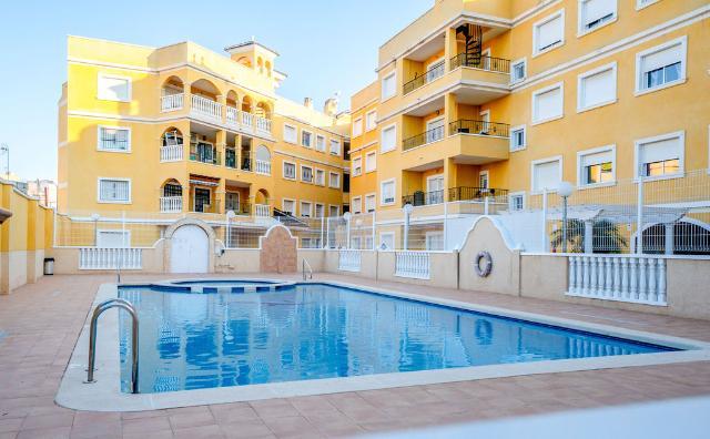 Piso en venta en Almoradí, Alicante, Calle Molino, 72.000 €, 2 habitaciones, 2 baños, 68 m2