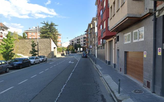 Piso en venta en Borda Sellarès, la Seu D`urgell, Lleida, Avenida Valira, 204.700 €, 1 habitación, 1 baño, 100 m2