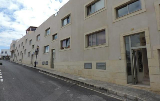 Piso en venta en La Oliva, Las Palmas, Calle Benito Pérez Galdós, 125.000 €, 2 habitaciones, 1 baño, 88 m2