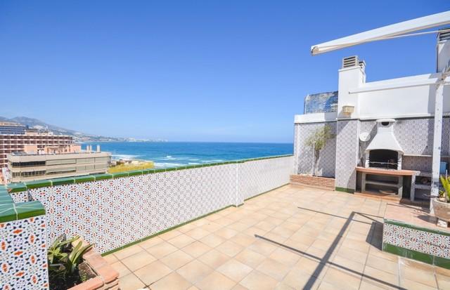Piso en venta en Fuengirola, Málaga, Calle San José, 749.000 €, 6 habitaciones, 3 baños, 366 m2