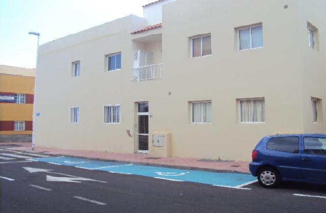 Piso en venta en San Miguel de Abona, Santa Cruz de Tenerife, Calle Hermanos de la Cruz Blanca, 105.000 €, 1 baño, 83 m2