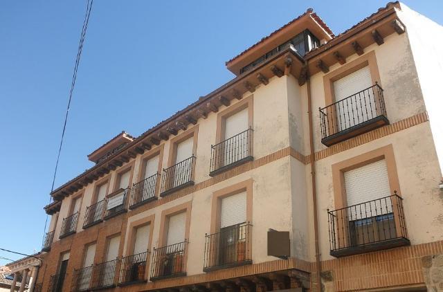Piso en venta en Prádena, Segovia, Calle la Plaza, 79.500 €, 164 m2