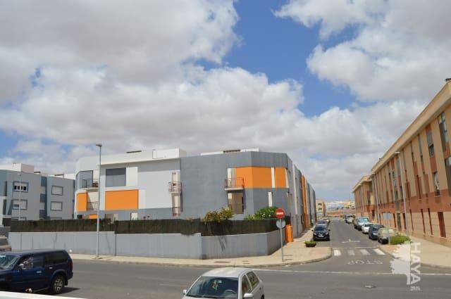 Piso en venta en Puerto del Rosario, Las Palmas, Urbanización Rosa Vila, 101.000 €, 3 habitaciones, 2 baños, 92 m2