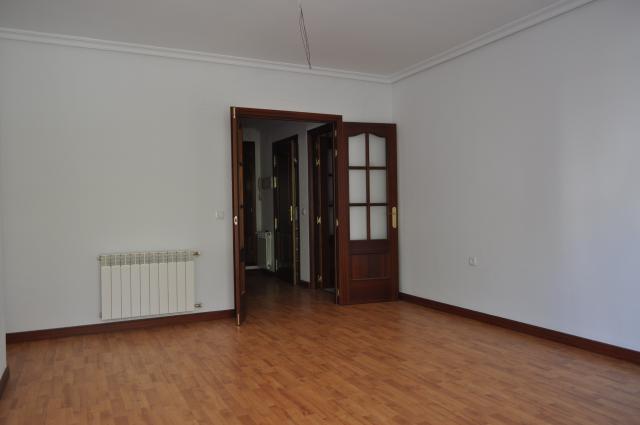 Piso en venta en Cáceres, Cáceres, Calle Velarde, 128.000 €, 102 m2