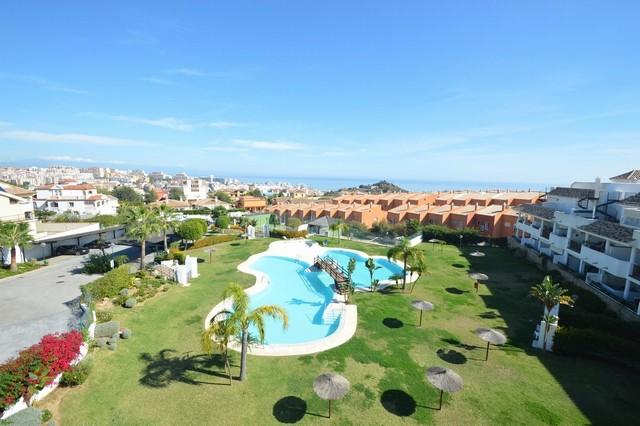 Piso en venta en Benalmádena, Málaga, Calle Cortijo de Mena, 225.000 €, 2 habitaciones, 2 baños, 82 m2