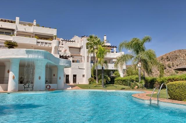 Piso en venta en Benahavís, Málaga, Calle Hernan Cortes, 795.000 €, 3 habitaciones, 3 baños, 196 m2