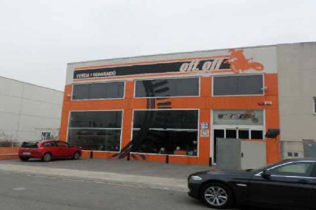 Industrial en venta en Montbrió del Camp, Montbrió del Camp, Tarragona, Calle Arbocet, 385.000 €, 1426 m2
