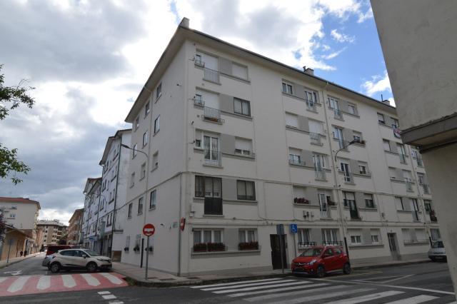 Piso en venta en Altsasu/alsasua, Altsasu/alsasua, Navarra, Calle Guipuzcoa, 88.100 €, 4 habitaciones, 1 baño, 109 m2